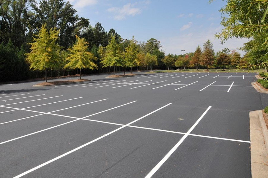 Asphalt Paving - Cartersville, GA, asphalt sealcoating, asphalt paving, asphalt crack repair, parking lot striping